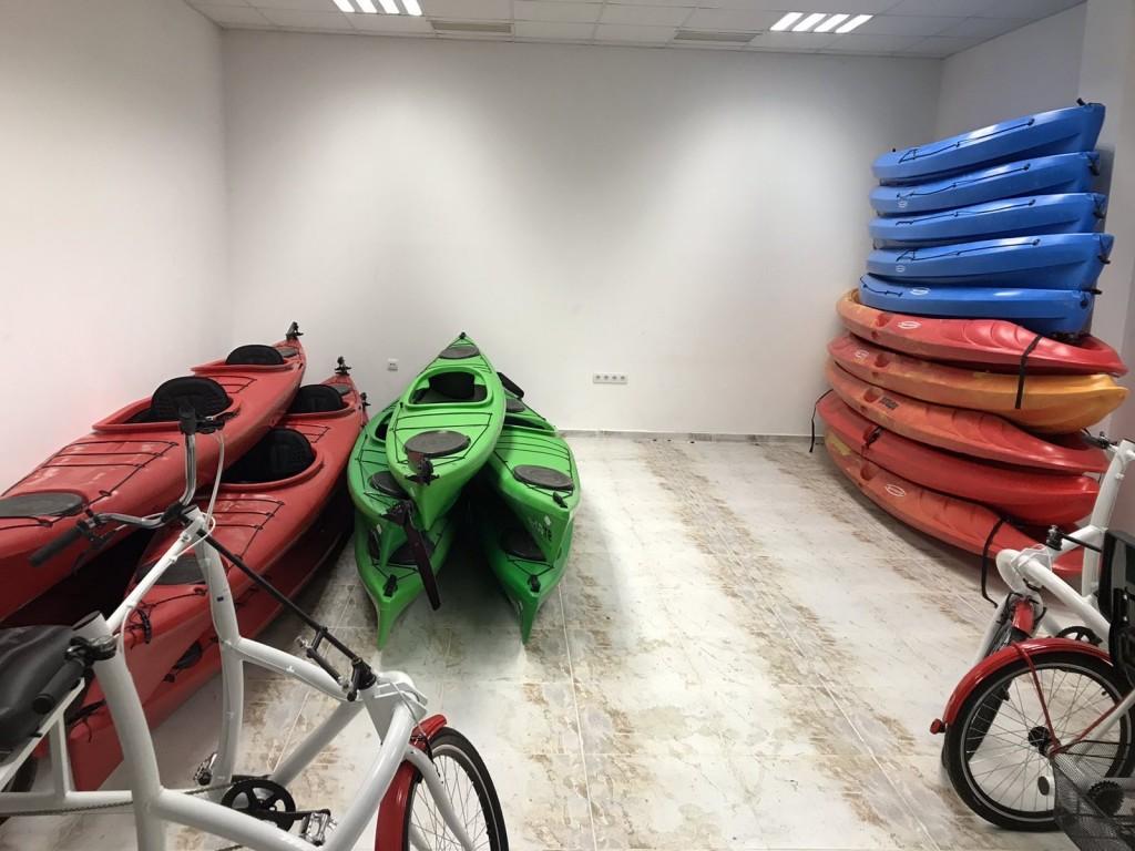"""Туристически център """"Row Adventure""""  -  Белоградчик"""
